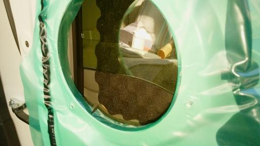 7_脱脂してからエーモンのスポンジを貼り付け。窓と干渉しないかを確認.jpg
